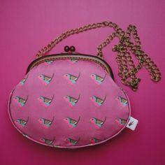 Robin Handbag   #handbag #acessories #fashion #purse #bird #chickadee #pink #cerise #magenta #raspberry  #divabara #design Robin, Cerise Pink, Brass Chain, Saddle Bags, Fabric Design, Hand Sewing, Eye Candy, Diva, Coin Purse
