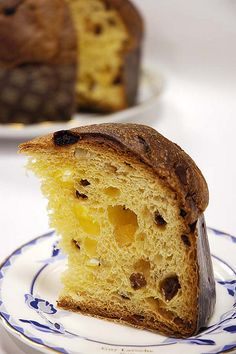 No Panettone , No Christmas! Yes, we are Italians and if there isn't a panettone at home, it isn't totally Christmas. Bakery Recipes, Raw Food Recipes, Italian Recipes, Sweet Recipes, Panettone Rezept, Panettone Cake, Thermomix Bread, Thermomix Desserts, Italian Christmas Cake
