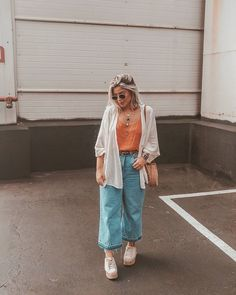 Discover recipes, home ideas, style inspiration and other ideas to try. Curvy Girl Outfits, Edgy Outfits, Simple Outfits, Summer Outfits, Cute Outfits, Fashion Outfits, Minimal Fashion, Retro Fashion, Looks Adidas