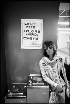 Keith Richards at US Customs 1972 © ETHAN RUSSELL. ALL RIGHTS RESERVED.