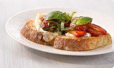 Mansikka-Brie-Uunileipä