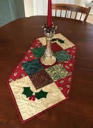 Christmas Quilted Star Candle Mat Red Green and White door seaquilt Christmas Patchwork, Christmas Placemats, Christmas Runner, Christmas Sewing, Noel Christmas, Christmas Crafts, Christmas Table Runners, Christmas Ideas, Table Runner And Placemats