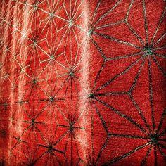 vini_nt | Tapete Topkapi Red feito no Nepal @ByKamy #Bykamy #rugs #rug #homedesign #interiordesign #nepal #DESIGN #designdeinteriores #graphicdesign #TEXTURE #graphic #arquiteture #arquitetura #color #changetheworld