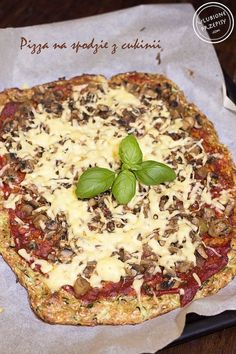 Pizza na spodzie z cuknii Lunch Recipes, Cooking Recipes, Vegan Pizza, Hawaiian Pizza, Superfoods, Vegetable Pizza, Slow Cooker, Clean Eating, Food And Drink