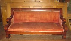 AMERICAN EMPIRE MAHOGANY CLASSICAL SOFA COUCH