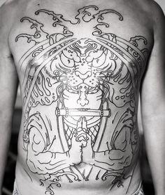 The beginning of Tora o maru. Strongest client ever. ⚡️ Sponsored by #electricink ⚡️ #feathercloud #japanesetattoos #tatto_art_worldwide #japaneseart #shanetan #blackclaw #tattoo #japanesetattoo #singaporetattoo