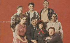 """HAPPY DAYS TV CAST - WITH DONNY MOST, ANSON WILLIAMS, TOM BOSLEY, ERIN MORAN, RON HOWARD, MARION ROSS, HENRY """"THE FONZ"""" WINKLER, ..."""