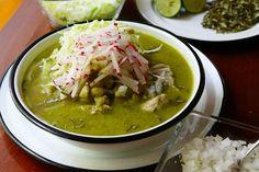 Pozole Verde - Cocinar y GozarPozole Verde - Cocinar y Gozar Pork Posole, Mexican Food Recipes, Ethnic Recipes, Soup And Sandwich, Guacamole, Sandwiches, Appetizers, Menu, Geronimo