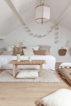 Interieur winkel - ELLE INTERIEUR Click the image for more awesome home decor ideas. Room Ideas Bedroom, Home Decor Bedroom, Living Room Ideas 2019, Contemporary Bedroom Decor, Scandinavian Style Bedroom, Beige Room, Minimalist Home Decor, My New Room, Home Decor Furniture