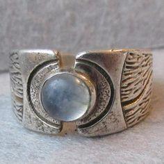 Unusual Sterling Silver Rustic Tree Bark Vintage Blue MOONSTONE Ring, Size 6