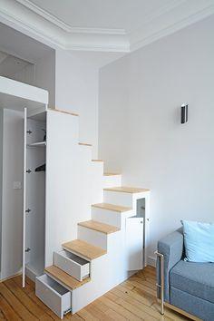 Home studio apartment mezzanine 38 ideas Loft Bed Plans, Tiny House Stairs, Small Studio Apartments, Dressing Room Design, Sleeping Loft, Tiny Spaces, Deco Design, Design Design, Tiny House Design