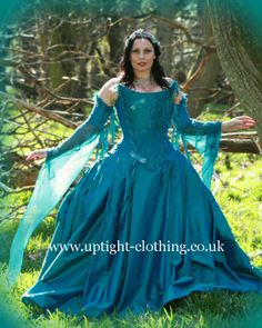 Dragonfly Corset with flowing sleeves with full ball gown skirt Fabulous Dresses, Beautiful Gowns, Turquoise Wedding Dresses, Fairytale Gown, Costume Ideas, Costumes, Gown Skirt, Damselflies, Happenings