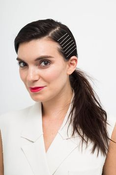 15 Gorgeous Hairstyles You Can Easily Create With Colored Bobby Pins