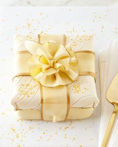 Elegant Cheesecakes Bourbon Vanilla Cheesecake Merguine Cookies, Lemon And Coconut Cake, Shortbread Crust, Salty Cake, Cake Tins, Savoury Cake, Cake Mold, Corn Syrup, Gourmet Recipes