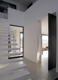 GvL_Composiet traptreden, taatsdeuren (staal met glas en hout)