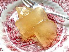 Πολύ μυρωδάτο γλυκό φράπα ή πόμελο ή παμπιλόνι, όπως λέγεται στις Κυκλάδες, με τον γίγαντα των εσπεριδοειδών. Camembert Cheese, Dairy, Food, Essen, Meals, Yemek, Eten