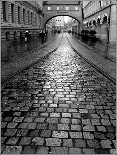 Rainy day in the city Oh The Places You'll Go, Places Ive Been, Places To Visit, Wonderful Places, Beautiful Places, Munich Germany, Famous Places, Future Travel, Pretty Pictures