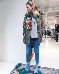 In love with this jacket 😍 Amsterdam Shopping, Outfit Posts, Fashion Addict, Military Jacket, Bomber Jacket, Street Style, Jackets, Instagram, Down Jackets