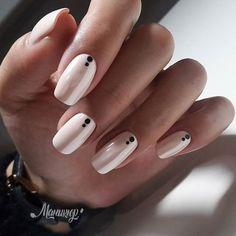 Nude Nails With Black Dots nails nail nail art nail ideas nude nails Short Nail Designs, Nail Art Designs, Nails Design, Shellac Designs, Simple Nail Designs, Cute Nails, Pretty Nails, Black And Nude Nails, Black Nail