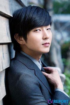 Lee Joon Gi • Ли Джун Ки