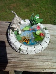 miniature kitty in the bird bath - wonder how you might make this?