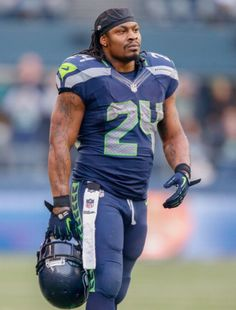 NFL Rumors: Melvin Gordon to Replace Marshawn Lynch in Seattle? Wilson Seahawks, Seahawks Fans, Seahawks Football, Best Football Team, National Football League, Seattle Seahawks, Football Players, Nfl Superbowl, Football Pics