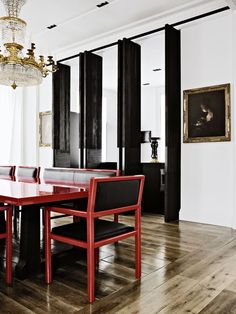 Christian Liaigre - London apartment design-❤amazing red laquered table and chairs antique chandelier, gloss black doors Best Interior, Room Interior, Interior Doors, Christian Liaigre, Piece A Vivre, Dining Room Design, Dining Set, Dining Rooms, Dining Table