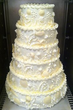 white chocolate wedding cake by distopiandreamgirl
