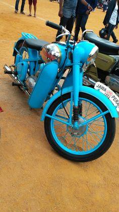 Royal Enfield Wallpapers, Motorized Bicycle, Cool Motorcycles, Bike Parts, Vintage Bikes, Sidecar, Custom Bikes, Motorbikes, Wheels
