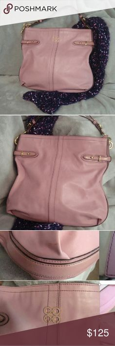 COACH  COLLETTE  Leather hobo bag  #K1076-16413 Leather Coach Bag . Rose color, in great condition. One Stain and leather discoloration  on corner. Coach Bags Hobos