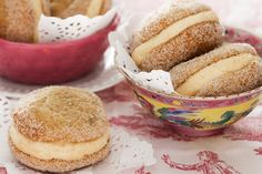 Part biscuit, part cake, whoopies make the perfect ending to any occasion, and banana and cinnamon is a match made in heaven!