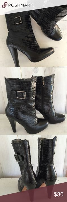"""Talbots alligator-embossed leather ankle boots Talbots """"simone"""" black genuine leather boots. Textured alligator-embossed leather, zips up the side. Sassy, 4.5"""" heel. Good condition , some slight flaking on the edges of some of the embossing- not noticeable. Size 7 Talbots Shoes Ankle Boots & Booties"""