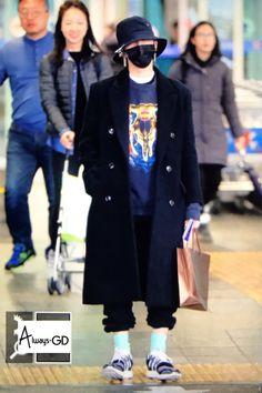 i BREATHE BIG BANG — fckyeahgdragon: 170129 GD at Incheon Airport...