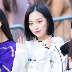 19 отметок «Нравится», 2 комментариев — Girl Group Area (@girlgroup.queen) в Instagram: « cr. fruit blossom #clc #blackdress #yeeun #jangyeeun #clcblackdress #seunghee #elkie #yujin…»