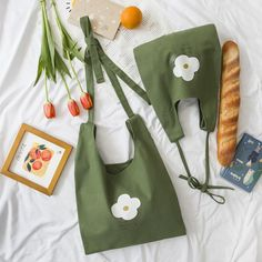 2019 ''FLOWER'' GREEN CANVAS SHOULDER BAG BY94007 Canvas Shoulder Bag, Shoulder Bags, Fabric Bags, Cute Bags, Canvas Tote Bags, Fashion Bags, Purses And Bags, Pouch, Reusable Tote Bags