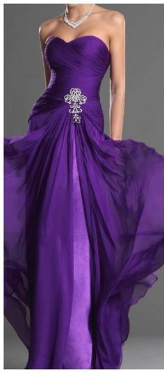 Pretty in Purple...love that dress! Beautiful!   HotWomensClothes.com Ooooo.....purple wedding dress???