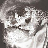 Amazing wedding photographs from the world's best wedding photographers.