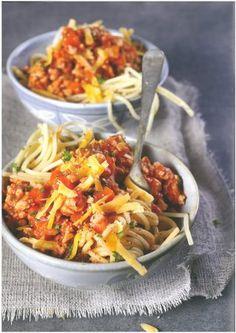 Resep: Hoenderbolognese met spek en spinasie | Maroela Media Recipies, Spaghetti, Pasta, Ethnic Recipes, Food, Chicken, Recipes, Essen, Meals