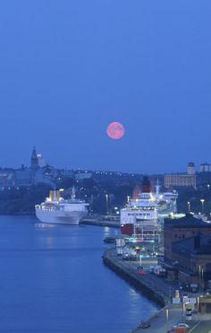 Full Moon - Stockholm, Sweden