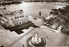 Plaza del Mar.  Edificio del puerto, frente a la Plaza del Mar que, simultaneamente, ocuparon las sedes de la Comandancia de Marina y de la Junta de Obras del Puerto.