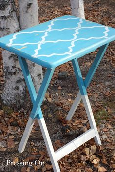 DIY dip-dyed & stenciled trays. Our TV trays might need a facelift now! (pressing on blog)