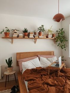 Bohemian Bedroom Decor, Diy Bedroom Decor, Earthy Bedroom, Bohemian Interior, Bohemian Homes, Bohemian Bedding, Hippie Bedrooms, Minimal Bedroom, Neutral Bedrooms