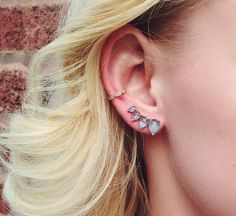Raw Quartz Crystal Earrings, Rough Quartz Crystal Studs, Earrings for Women, Birthday Gift for Her, Rare Crystal Slab Earrings for Mom - Fine Jewelry Ideas Silver Hoop Earrings, Crystal Earrings, Statement Earrings, 7 Places, Rare Crystal, Multiple Ear Piercings, Tragus Earrings, Looks Chic, Jewelry For Her