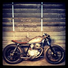 SR250 cafe racer - THIS IS THE DREAM! *** ------- MY GOAL ------ *** Yamaha Cafe Racer, Cafe Racers, Custom Choppers, Custom Bikes, Bowie Heroes, Brat Cafe, Sr500, Cool Motorcycles, Scrambler
