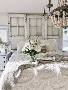Fine Deco Chambre Shabby Chic that you must know, You?re in good company if you?re looking for Deco Chambre Shabby Chic Blanc Shabby Chic, Cottage Shabby Chic, Cocina Shabby Chic, Shabby Chic Mode, Shabby Chic Living Room, White Cottage, Shabby Chic Kitchen, Cottage Style, Boho Chic