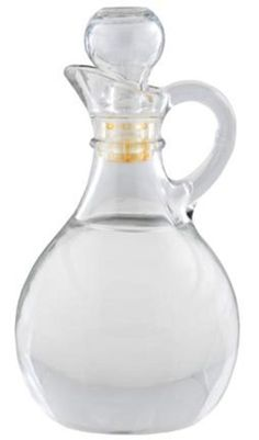 Distilled vinegar is an amazingly effective, versatile natural cleaner. Here are some ways to use distilled vinegar for cleaning.
