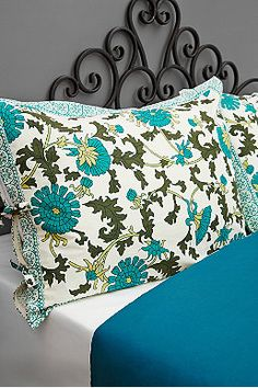 Palace Pillow Case Set in Floral Print, UO