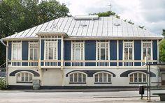 Wikeström  Krogiuksen talo    Arkkitehti kreivi Carl Armfeltin 1902 suunnittelema erikoinen puinen jugendtalo Turussa, nk. sininen talo.Purettu.Uusi 8-kerroksinen talo   valmistui joulukuussa 2014.