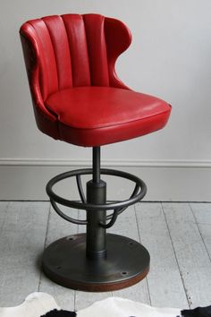 CAPTAINS BAR STOOL Howeke the base and spine