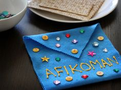 Have the kids help make a no-sew Afikoman bag for your Passover table.